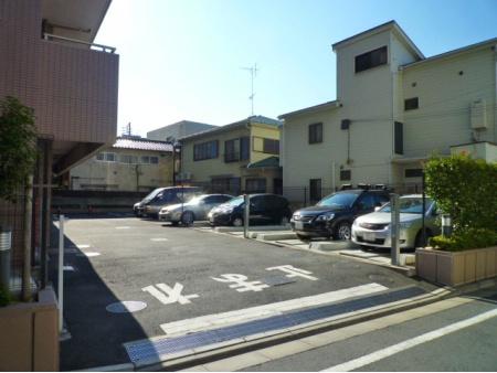 クリオ要町壱番館 駐車場