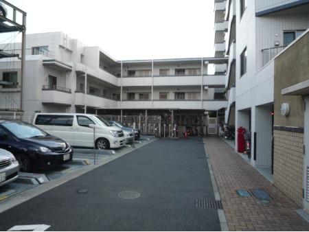 藤和北江古田公園ホームズ 駐車場