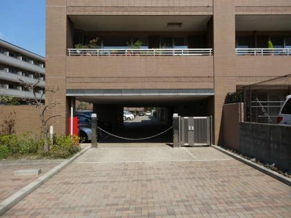 グランディスタ青葉台 駐輪場