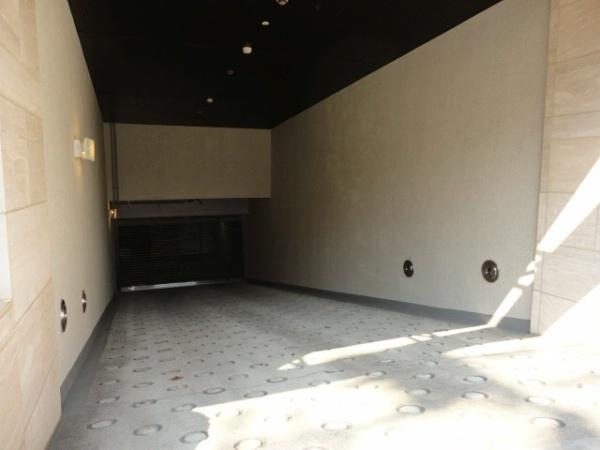 サンレイ広尾エクセレンテ 駐車場
