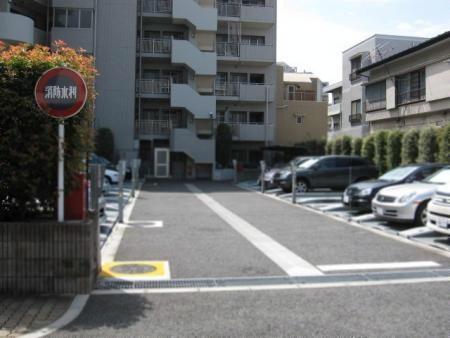 イトーピア世田谷弐丁目 駐車場