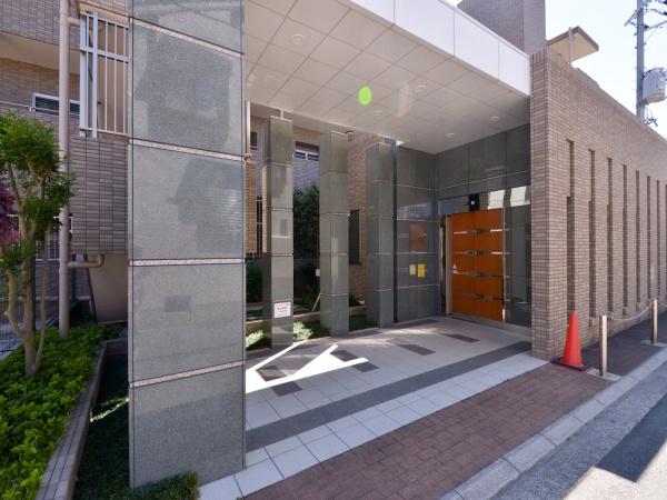 ジオ阪急塚口 エントランス