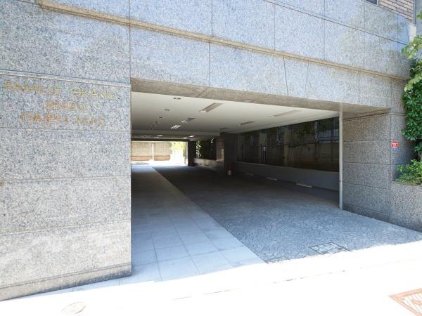 ファミールグラン神宮外苑前 エントランス