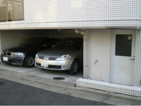 ファミール南青山ブランカ 駐車場