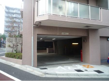クリオ千駄木動坂 駐車場