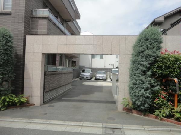 D'グランセ駒沢公園 駐車場