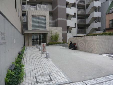 パークハウス新宿若松町 アプローチ