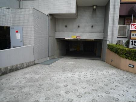 グローリオ中野新江古田 駐車場