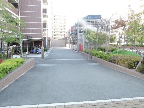クレヴィア沢ノ町 駐車場