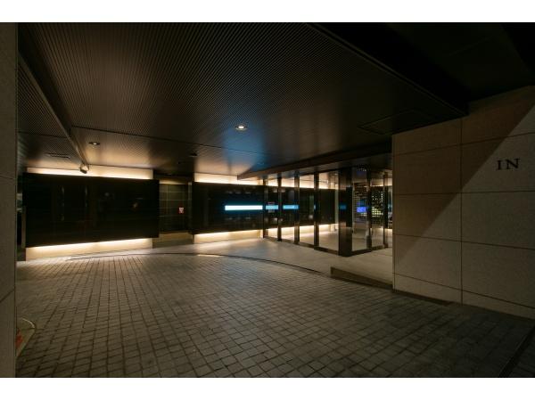 マジェスティハウス新宿御苑パークナード エントランス