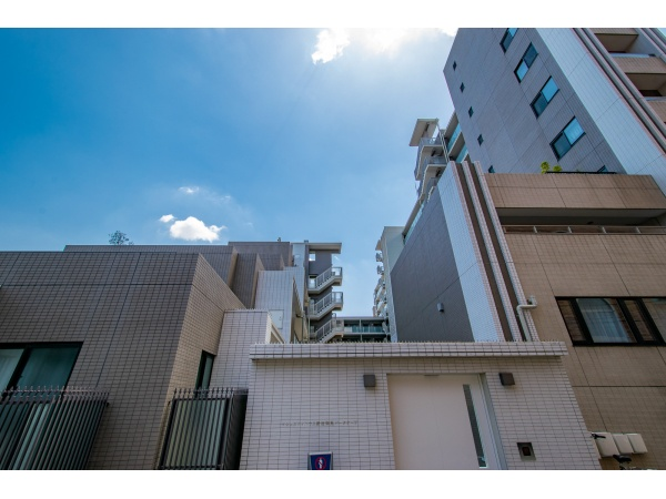 マジェスティハウス新宿御苑パークナード 外観