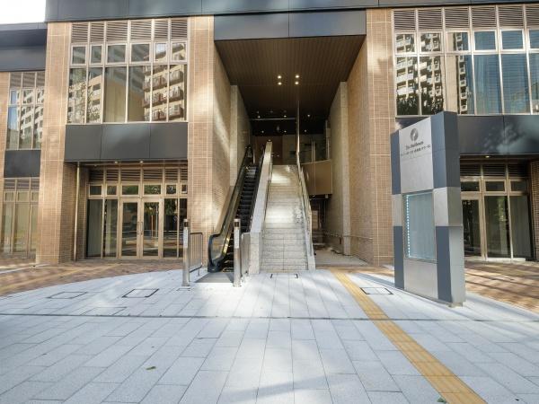 ザ・パークハウス西新宿タワー60 エントランス