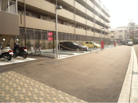 サニーコート立川 駐車場・バイク置場