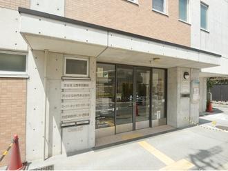 渋谷区立西原図書館